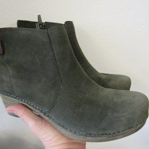 Dansko Green Leather Ankle Boots 10